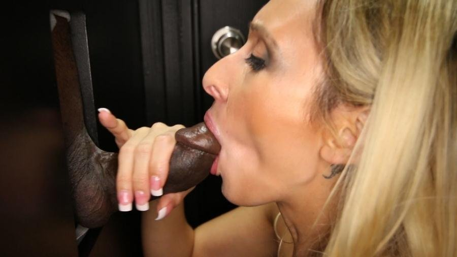GloryHoleSecrets.com - Deanna - Deanna's First Gloryhole Video [FullHD 1080p / Blowjob / Oral / 2016]