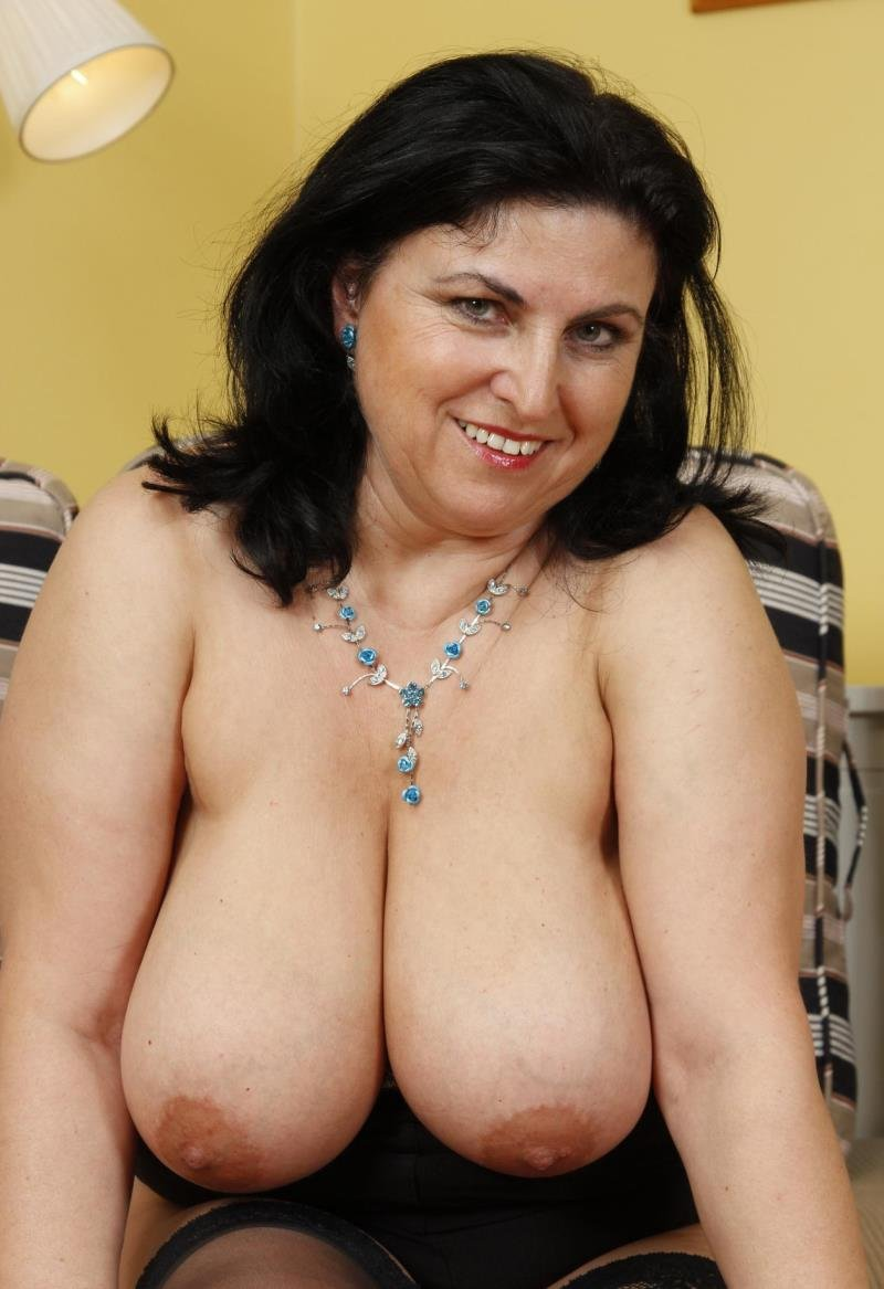 Mature.nl - Violette V. - (43) [HD / Mature / Hairy / 2013]