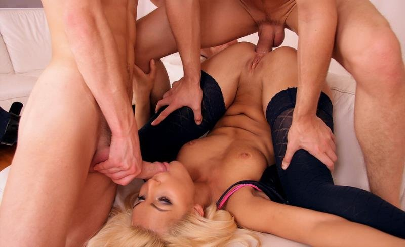 Redlinestar.com - Jocelyn - Sexy Blonde [HD / 3Some / Anal / 2010]