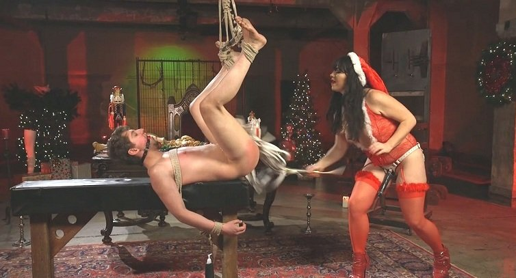 DivineBitches.com - Siouxsie Q, Grayson - Merry Bitchmas! [SiteRip / Femdom / Humiliation / 2016]