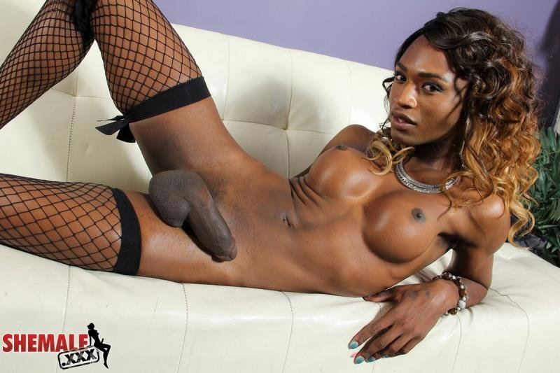 Shemale.XXX - Chanel - Chanel And Her Huge Black Friend [HD 720p / Transsexual / Big Cock / 2013]