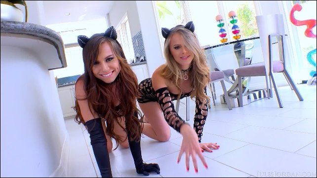 JulesJordan.com - Jillian Janson, Aidra Fox - Pretty Kitties Looking For Trouble [HD / Gonzo / Anal / 2015]