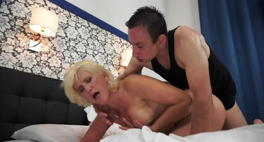 21Sextreme.com - Fresia - Grateful Granny [HD 720p / Granny / Hairy Pussy / 2016]