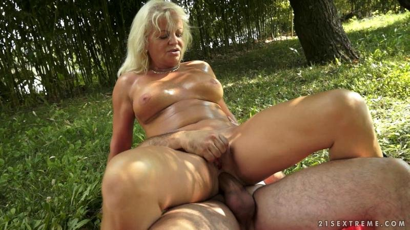 21Sextreme.com - Anett - Not So Vanilla [HD 720p / MILF / Old-Young / 2016]