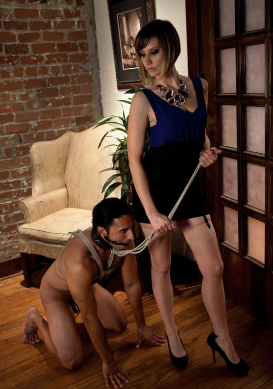 DivineBitches.com/Kink.com - Maitresse Madeline, Gianni Luca - Maitresse Madeline cuckolds her boyfriend with a woman! [HD / Femdom / Bondage / 2010]