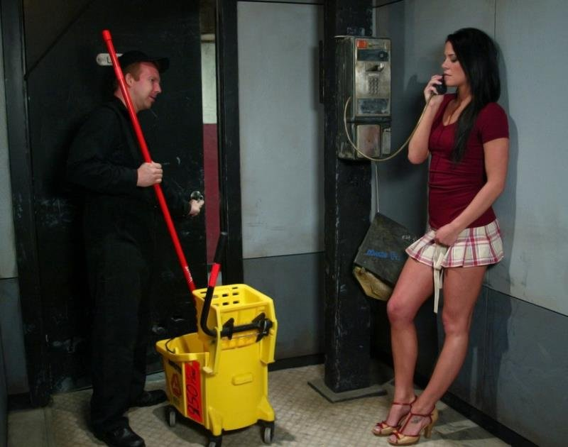 SexAndSubmission.com/Kink.com - Savannah Stern - Classic Archive Feature: Bathroom Etiquette [HD / BDSM / Domination / 2011]