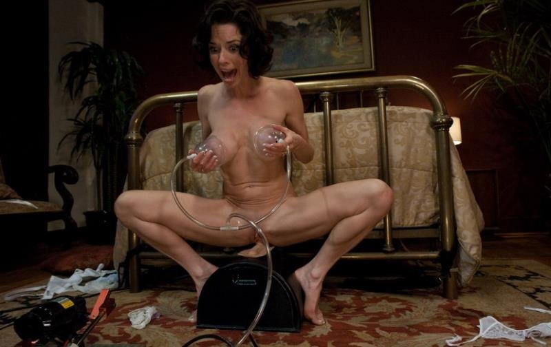 FuckingMachines.com/Kink.com - Veronica Avluv - Fucking Machines [HD / BDSM / Fuck Machine / 2010]
