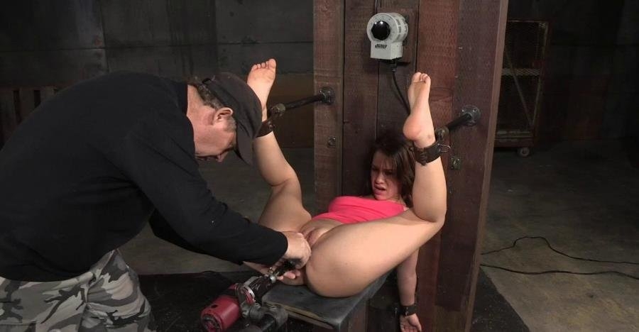 SexuallyBroken.com - Devilynne - Devilynne bound in half and tag team  fucked by huge