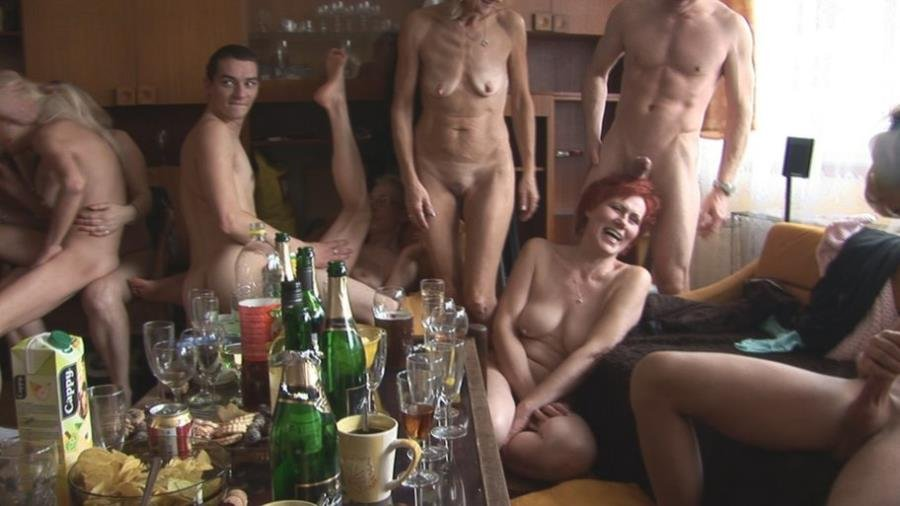 CzechHomeOrgy.com - Swingers - Czech Home Orgy 4 - Part 3 [HD 720p / Amateurs / Party / 2015]