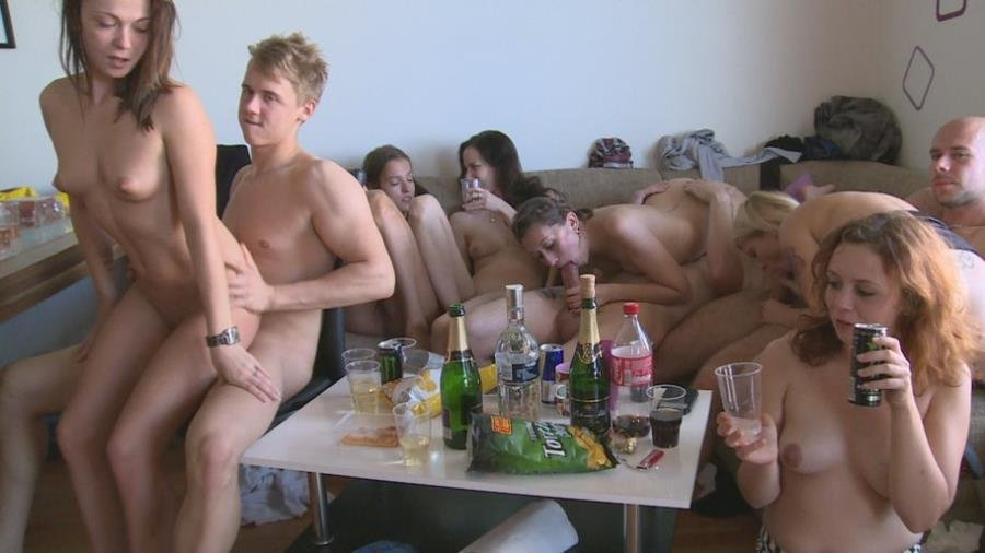 CzechHomeOrgy.com - Swingers - Czech Home Orgy 9 - Part 3 [HD 720p / Amateurs / Czech / 2015]