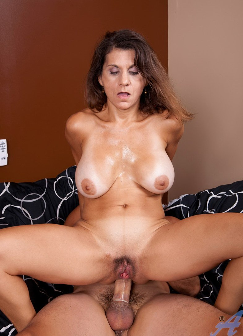 Amateur big natural boobs dd