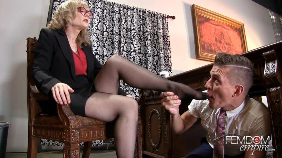 FemdomEmpire.com - Nina Hartley - My Male Secretary [FullHD 1080p / Femdom / Foot Worship / 2016]