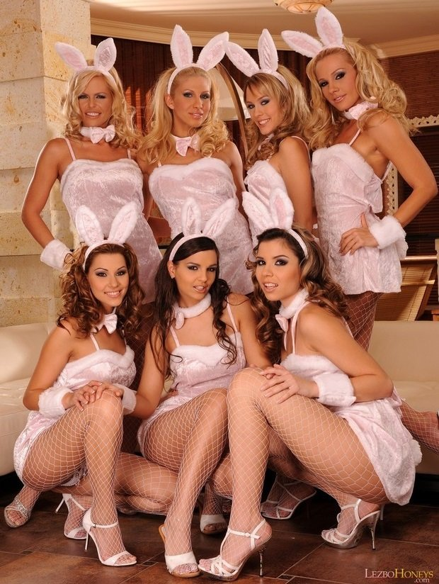 LezboHoneys.com/21Sextury.com - Sandy, Eve Angel, Peaches, Clara G., Cindy Hope, Wivien, Blue Angel - Sexy bunnies [HD 1080p / Lesbian / Group / 2009]