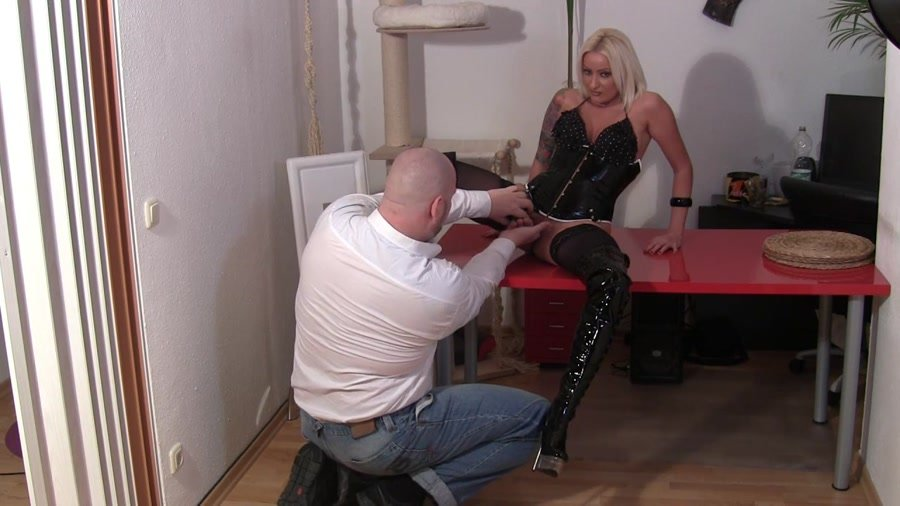 MyDirtyHobby.com - Madame-Blows - Raffinierte Webcamschlampe [HD 720p / Amateur / Blonde / 2012]