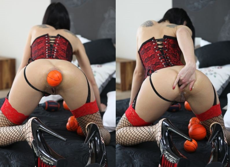 Hotkinkyjo.xxx - Tasha - With love for the balls [FullHD 1080p / Fisting / Dildo / 2015]