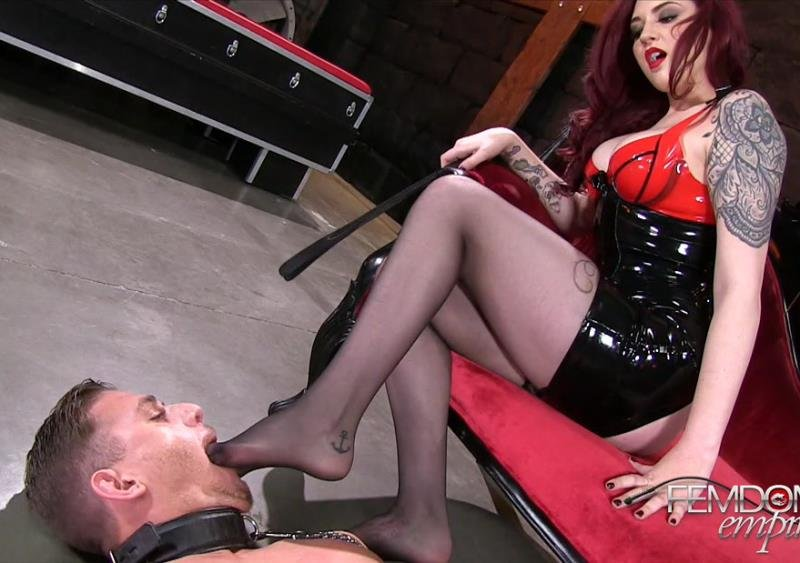FemdomEmpire.com - Amber Ivy - Sweaty Feet Gagging [FullHD / Foot Worship / Stockings / 2016]
