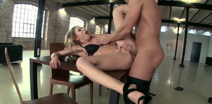 21Sextury.com - Lucy Heart - Lucy's Savagely Erotic Anal Act [FullHD 1080p / Teen / Blonde / 2016]