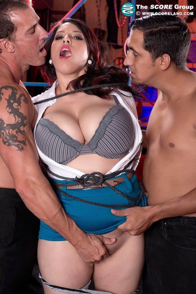 ScoreHD.com/Scoreland.com - Elle Flynn - Big Natural Boobs [HD 720p / Big Tits / Blowjob / Hardcore / 2013]