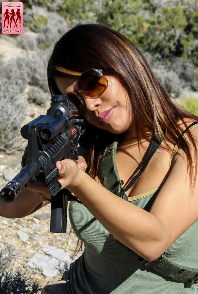 ShemalePornstar.com - Carmen Moore - Military Transsexual [HD 720p / Transsexuals / Anal / 2013]
