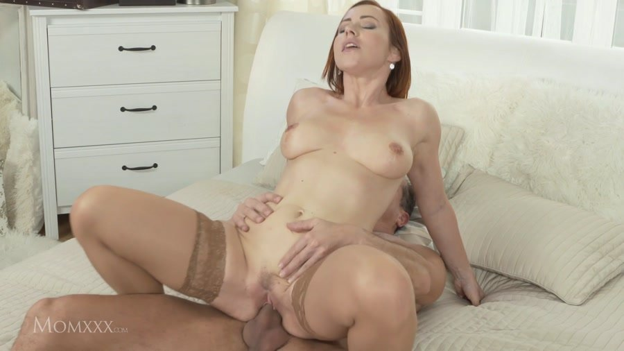 MomXXX.com - Bibi Fox - Girl Loves Me [FullHD 1080p / Milf / Amateur / 2016]