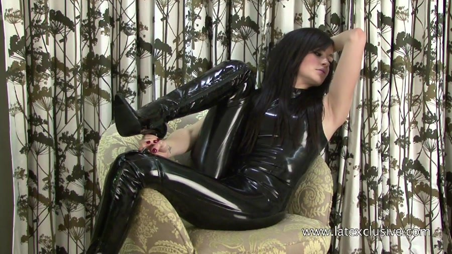 Latexclusive.com - Chloe - Black Latex Sleeveless Catsuit [HD 720p / Latex / Fetish / 2013]