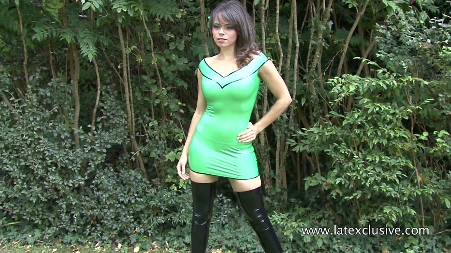 Latexclusive.com - Jerri - Green Latex Dress [HD 720p / Ruber / Solo / 2012]