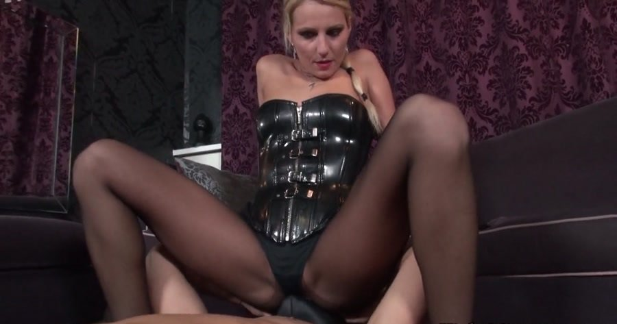 KinkyMistresses.com - Natalie Black - Smell The Mistress [HD 720p / Femdom / Foot Fetish / 2014]