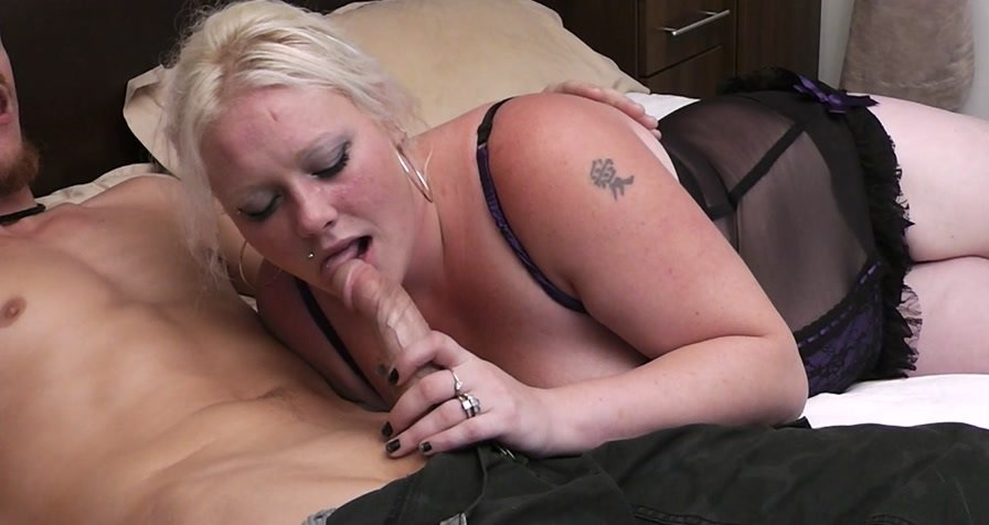 BBWpickup.com - Tori - Fat blonde in lingerie seduces a garden worker [FullHD 1080p / Big Tits / Great Britain / 2012]