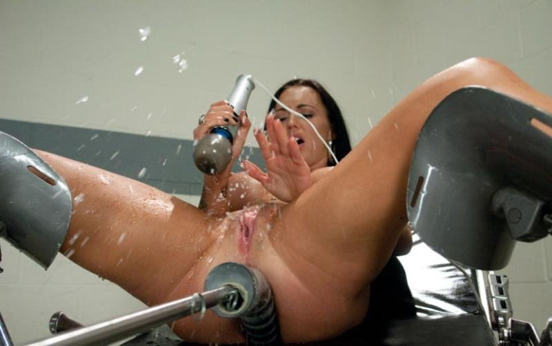 FuckingMachines.com/Kink.com - Jenna Presley - Licking Up Her Squirt: The Ever Wet Jenna [HD / BDSM / Fuck Machine / 2011]