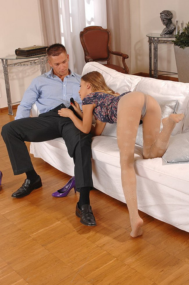 HotLegsandFeet.com/DDFProd.com - Avril Sun - Avrils kinky afternoon! [HD / Footjob / Foot fetish / 2011]