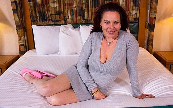 MomPov.com - Dara - Tantra Cougar Does First Porn Session [SD / Milf / Hardcore / 2016]