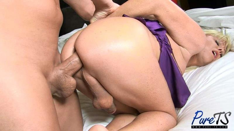 Pure-TS.com - Joanna Jet - mature blonde Joanna Jet wants your cock! [FullHD 1080p / Transsexual / Anal / 2016]