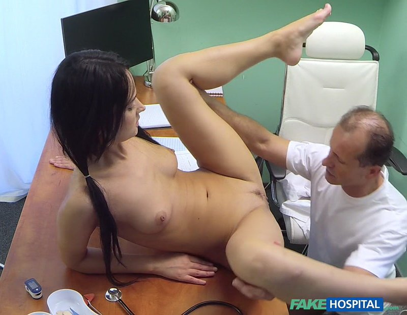 FakeHospital.com - Angie Moon - Petite brunette gets full treatment [FullHD / Clinic / Nurse / 2016]