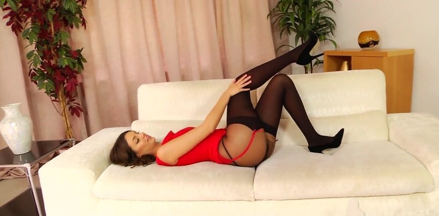 Layered-nylons.com - Rosie W - Striptease 8 [FullHD 1080p / Pantyhose / Solo / 2016]