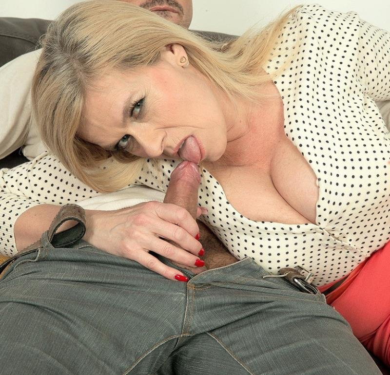 ScoreHD.com - Marina Rene - Jingle-jangle, Marinas getting fucked [FullHD / MILF / Big Tits / 2016]
