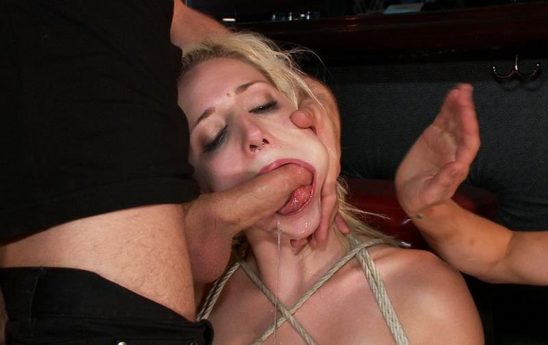 PublicDisgrace.com/Kink.com - Rylie Richman - Hot Blonde Disgraced in Bar [HD / BDSM / Domination / 2011]