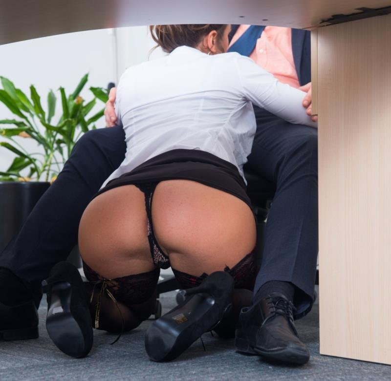 Private.com - Julia Roca - Has Her Hairy Pussy Pounded in the Office [SD / Brunettes / Deep throat / 2016]