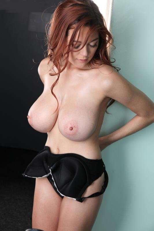 Tessafowler.com - Tessa Fowler - White Lace Black Bra [HD 720p / Boobs / Posing / 2016]
