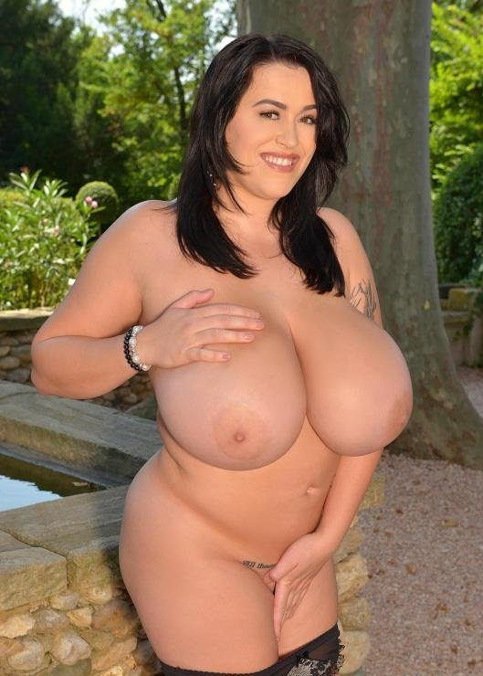 DDFBusty.com - Leanne Crow - Curvy Babe Plays With Her Big Natural Tits [HD 720p / Big Tits / Posing / 2016]