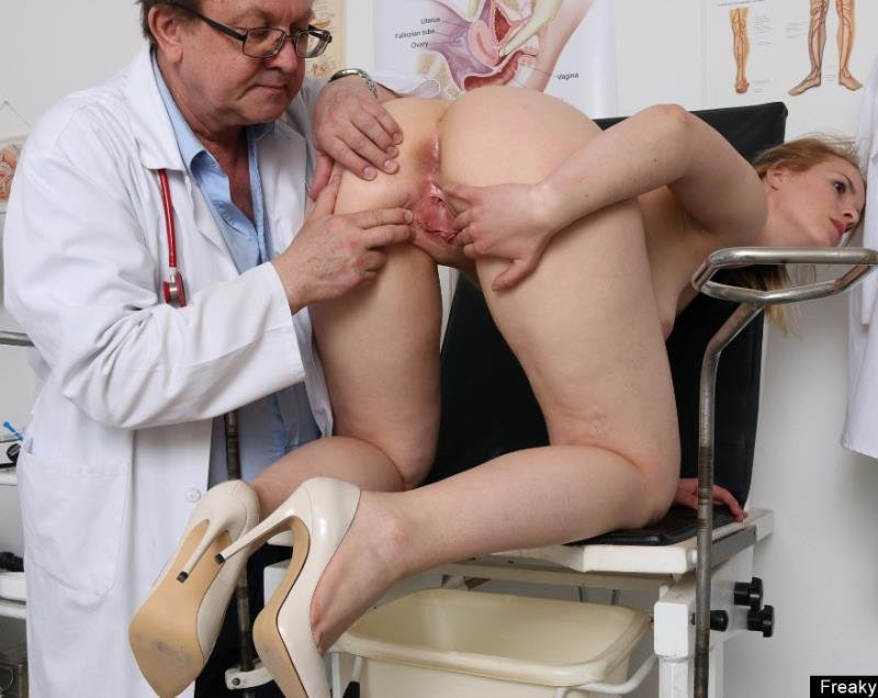 FreakyDoctor.com - Ebba - 23 years girls gyno exam [HD / Pussy Gaping / Gyno Exam / 2016]