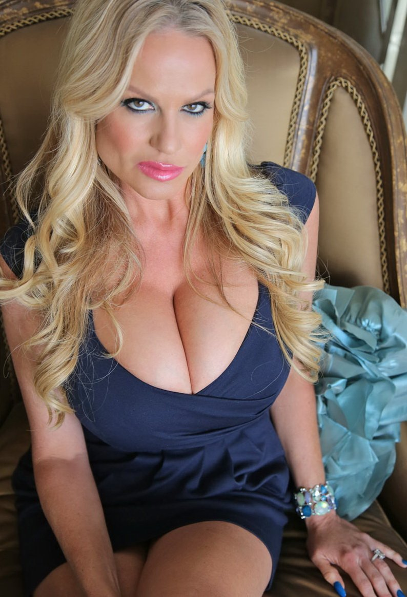 KellyMadison.com - Kelly Madison - Mirrored Souls [FullHD / MILF / Big Boobs / 2014]
