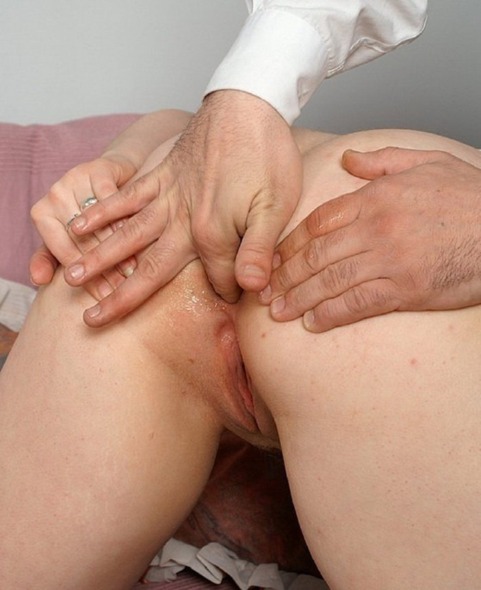 FSWDaughter.com - Emilly - Papa Shows Her What Enemas Are For [HD / Anal / Incest / 2011]
