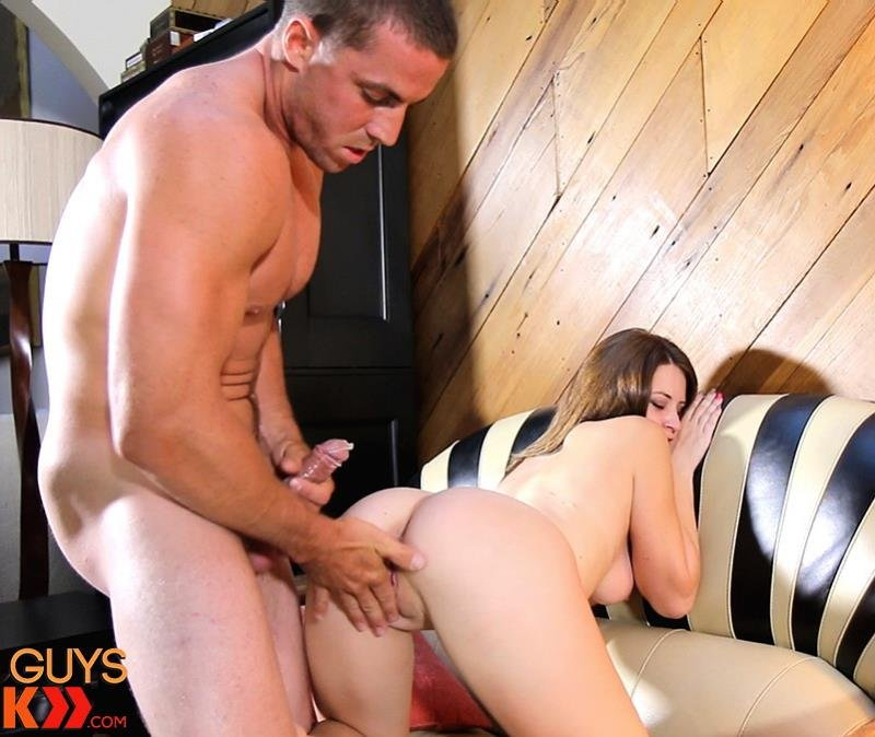 HotGuysFuck.com - Ashley - Derek Jones Fucks Ashley After She Eats The Cameramans Cum [SD / Cumshot / Cunnilingus / 2016]