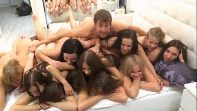 Cam4.com - Amateurs - Group Sex At The Party [HD / Homemade / Russian / 2016]