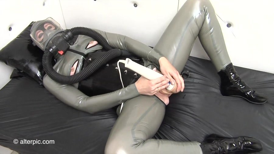 Alterpic.com - Sonia, Nikol - Big Dildo Wand [HD 720p / Latex / Solo / 2016]