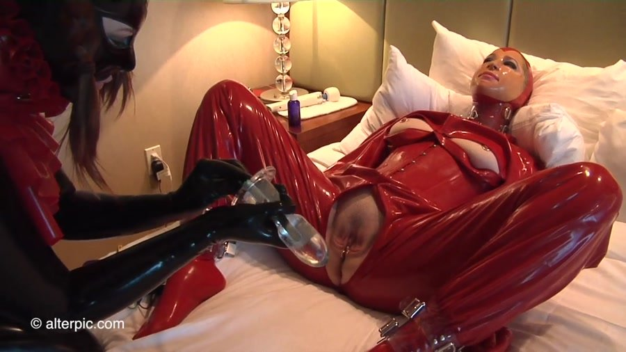 Alterpic.com - Sonia, Nikol - Electro Gummi Be1 [HD 720p / Latex / Rubber / 2016]