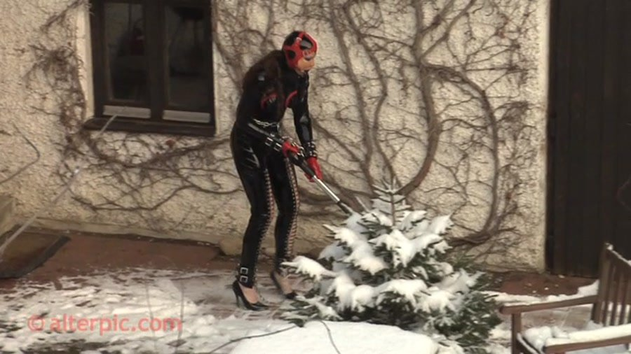 Alterpic.com - Nikol - Shovel Snow [SD / Latex / Rubber / 2016]