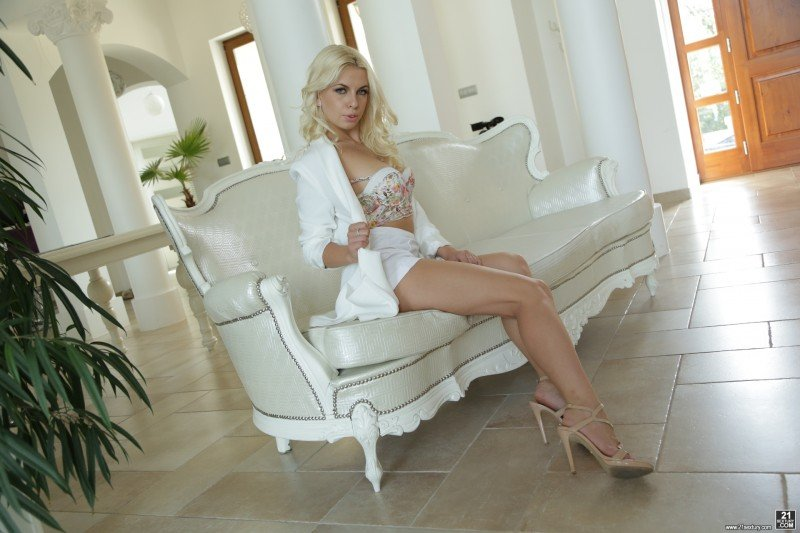 21Sextury.com - Alexxx White - Sexxx with Alexxx [SD / Anal / Blonde / 2016]
