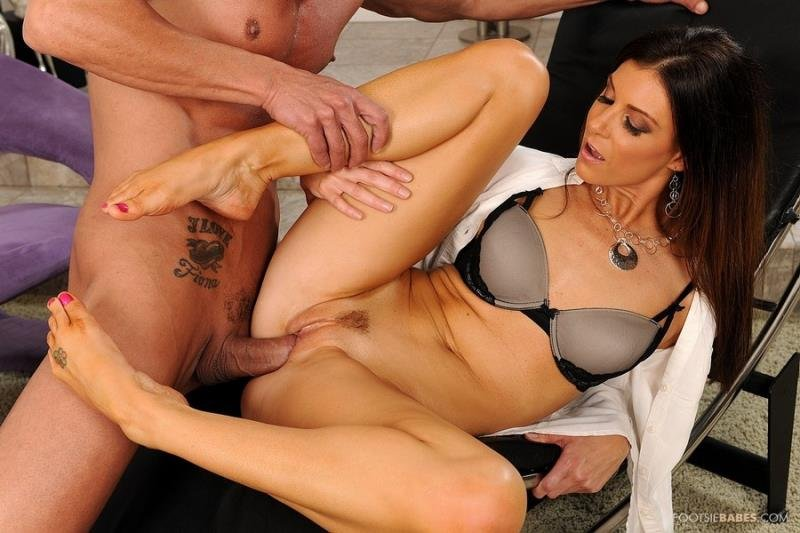 FootsieBabes.com/21Sextury.com - India Summer - My therapy is sex [HD 720p / Blowjob / Hardcore / 2013]