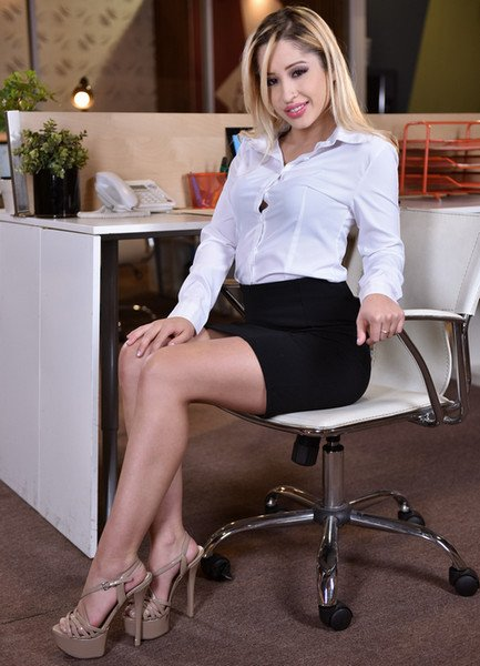 21Sextury.com - Goldie Rush - Footsie In The Office [HD 720p / Asian / Foot / 2016]